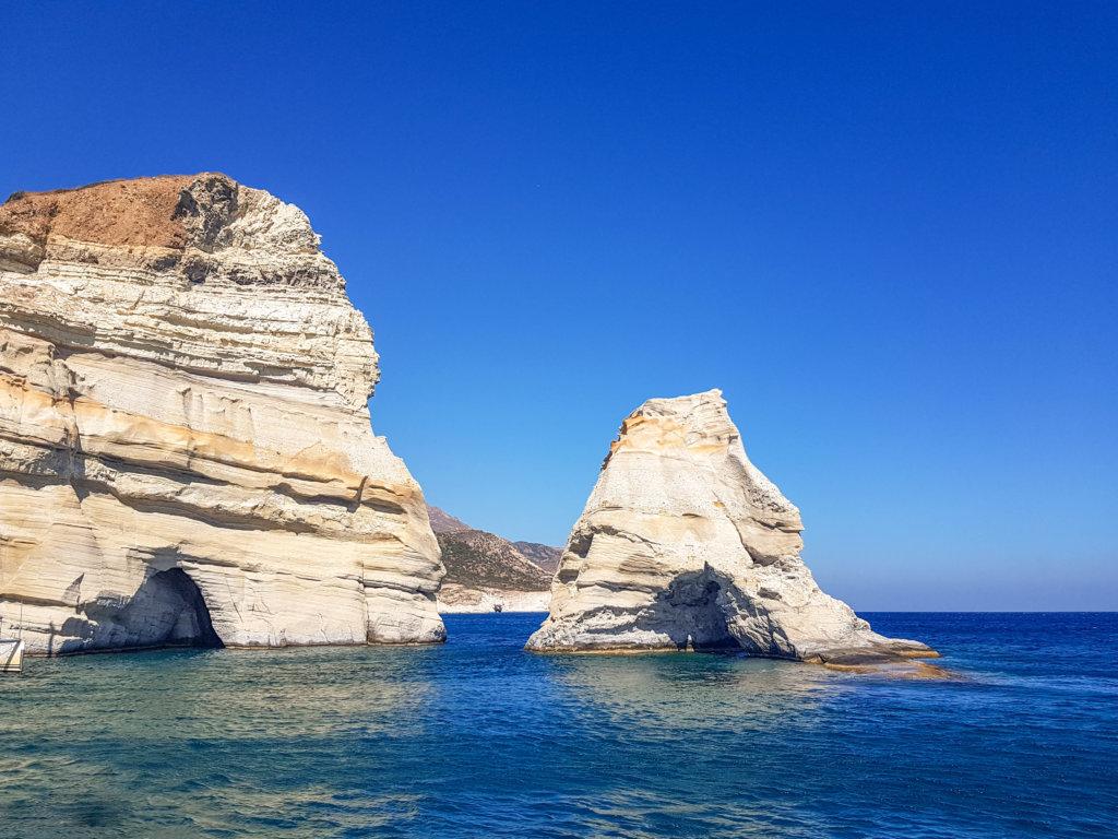 מערות קלפטיקו, שיט באי מילוס יוון
